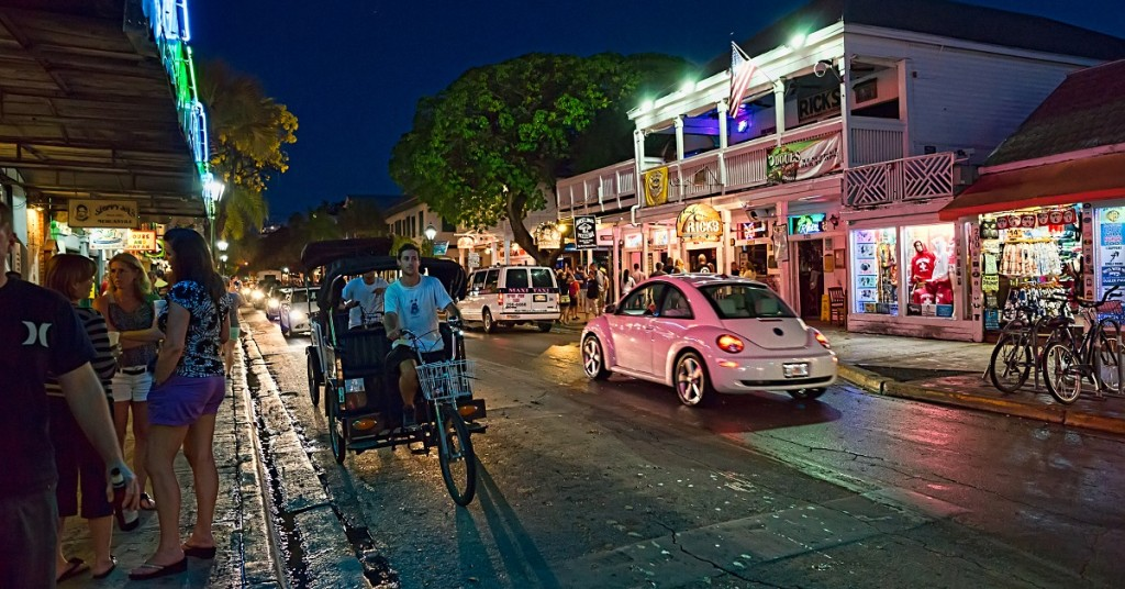 cosa-vedere-a-Key-West-Duval-Street-1024x536