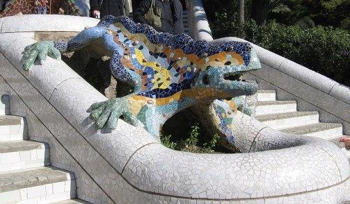 1024px-Parc_Güell_Dragon_Restored